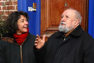 Michel Butor en grande discussion avec l'actuelle propriétaire