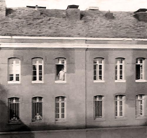 La façade ouest du Fort de Mons en 1914